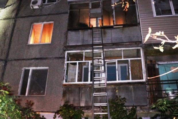 В Днепре спасали жильцов горящей девятиэтажки