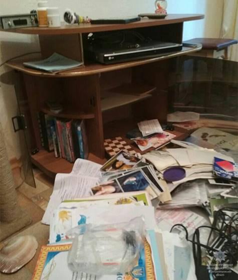 Полицейские Каменского разыскали воров, которые вынесли из квартиры все ценные вещи