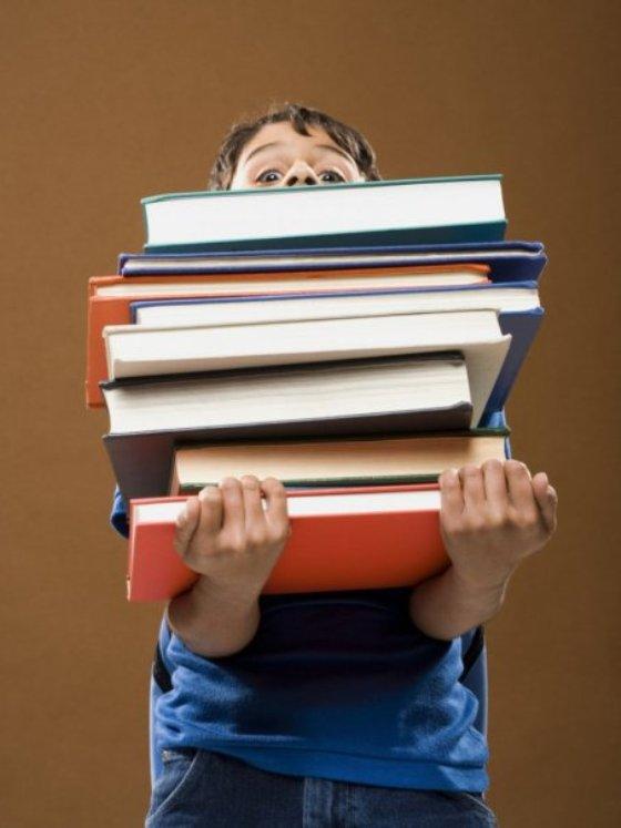На Днепропетровщине наихудшая ситуация с учебниками для школьников 4 и 7 классов