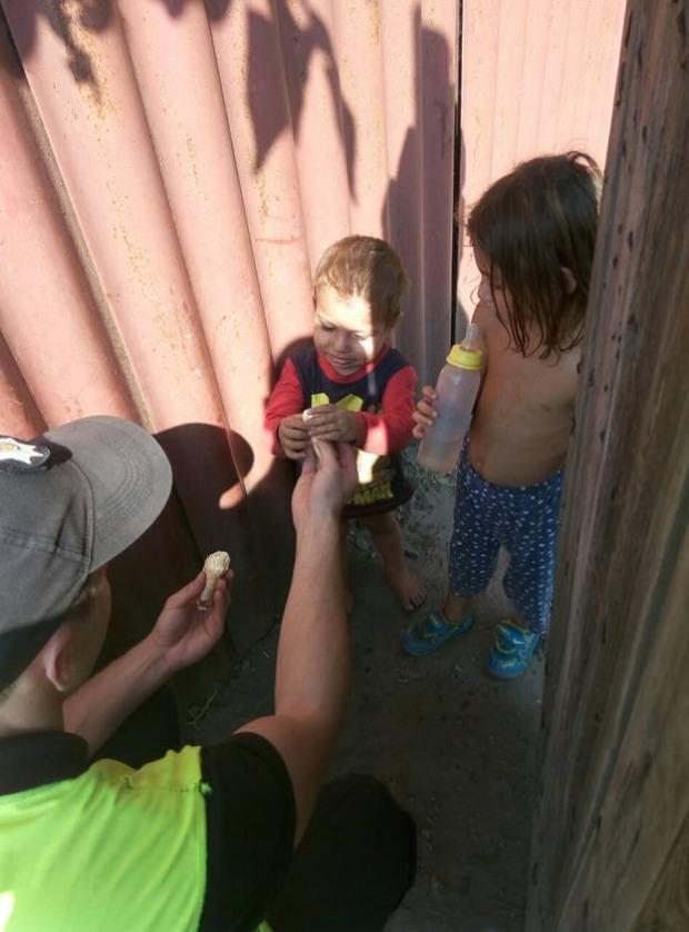 В Кривом Роге голодные дети без присмотра бросались под машину