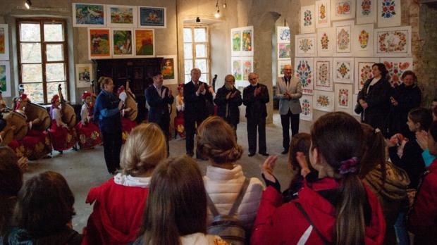 В Днепре стартовал детско-юношеский конкурс изобразительного искусства