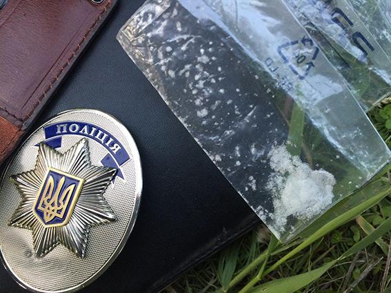 Суд возобновил расследование об укрывательстве родственников наркоторговца полицейским Накрапасом