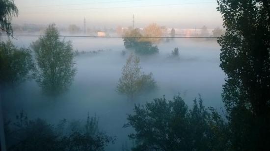 Павлоградцев по ночам травят ядовитым дымом