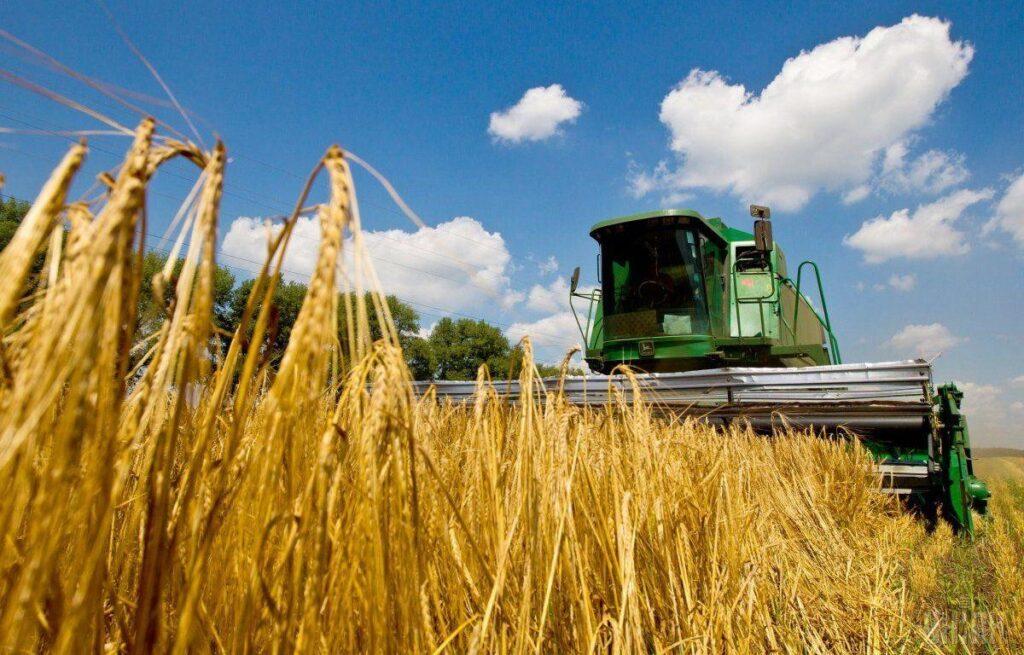 Дніпропетровщина зібрала майже 3 млн тонн зернових