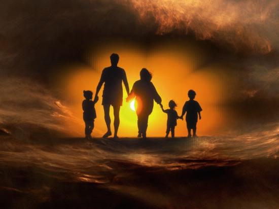 Всемирный заговор бизнесменов уничтожит традиционные семьи