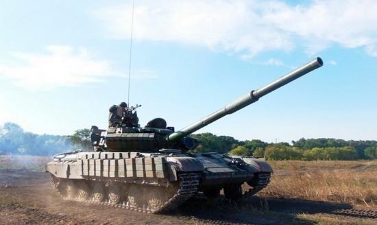 Под Днепропетровском обучают танкистов