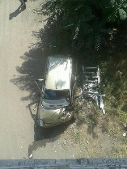 В Днепре водитель не справился с управлением и свалился с моста