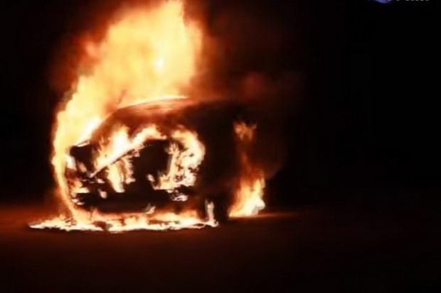 В  Желтых Водах произошел очередной поджог автомобиля