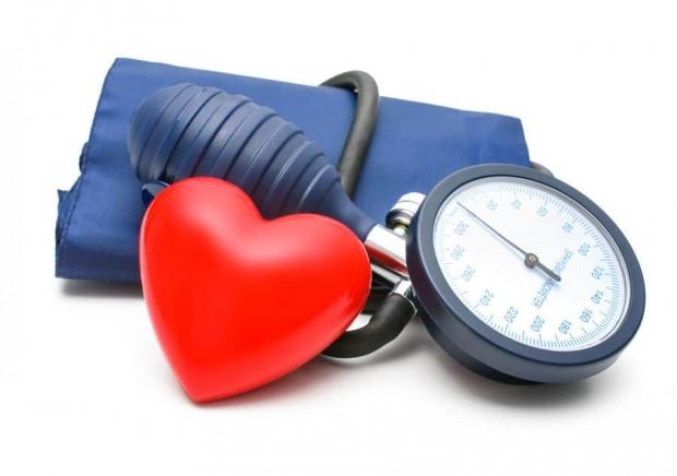 Жителей Днепра зовут на ЭКГ и измерение артериального давления