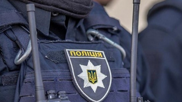 В Дніпрі 33-річний чоловік помер у автомобілі патрульних