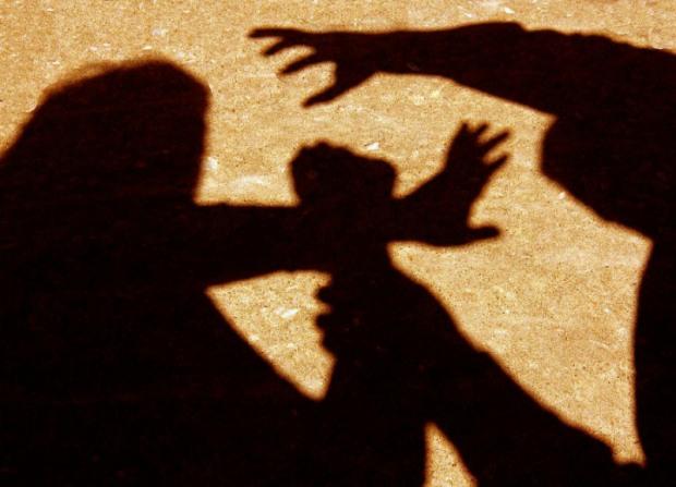 Непокаране зло повернулося: вбивця-голова ОТГ побив жінку