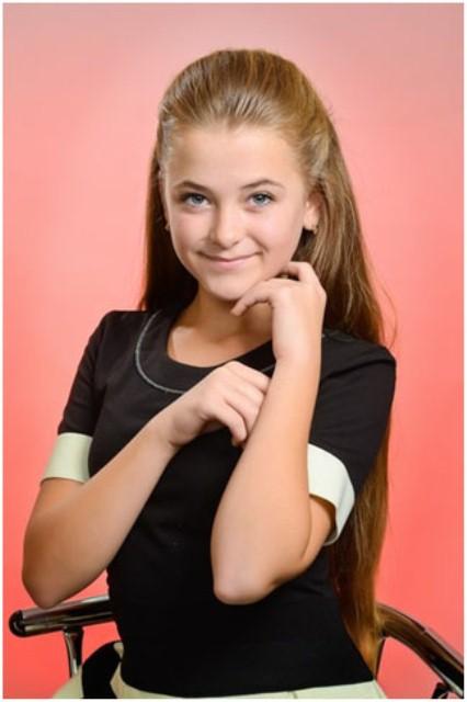 Александра Литвинова с Криничанского района на всеукраинском детском фестивале одержала победу