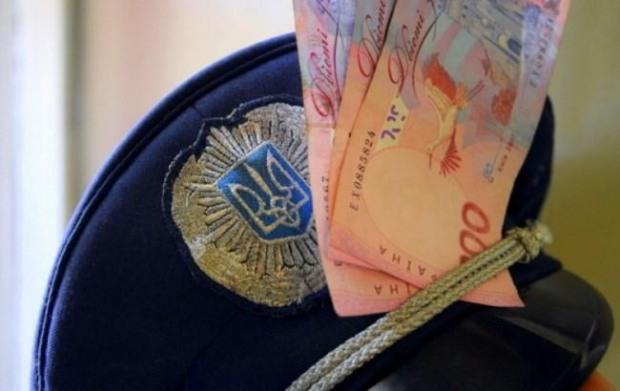 Царичанского капитана полиции отдали под суд