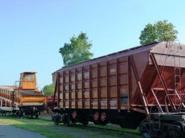 Приднепровские железнодорожники погрузили более 1 млн тонн зерна нового урожая