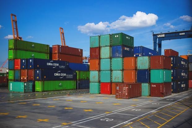 Продаж товарів з Дніпропетровської області в інші країни трохи знизився