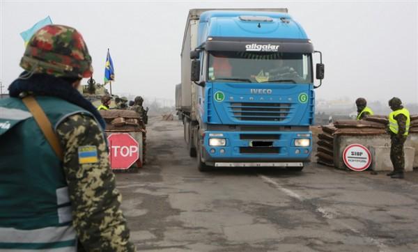 На границе с Крымом ввели ограничения по перевозке продуктов питания