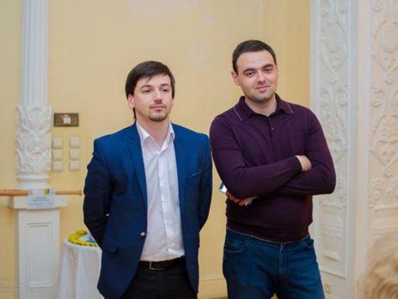 Избирком получил подписи днепровцев против депутатства Хмельникова и Мишалова-младшего