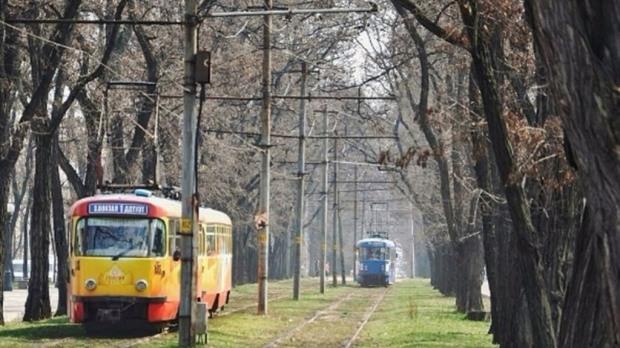 Троллейбусы и трамваи в Днепре будут ходить по измененному графику