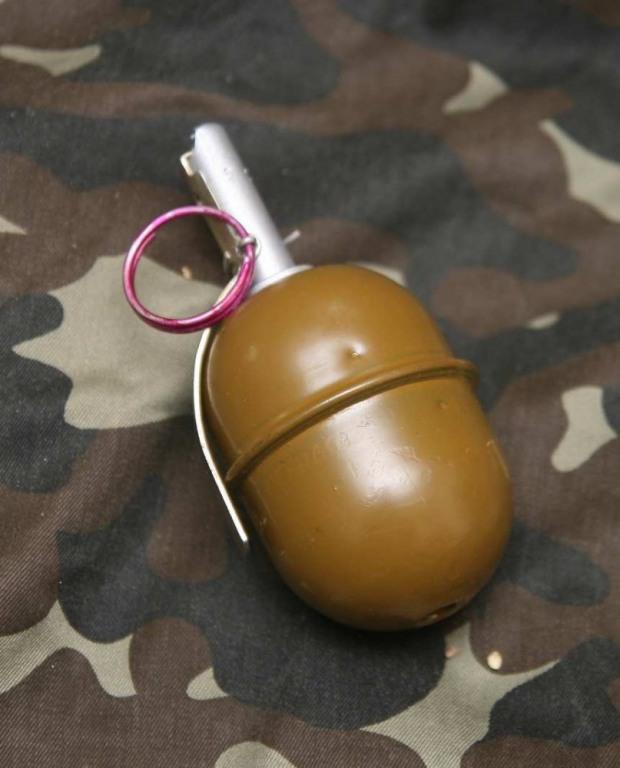 По Днепропетровску бродил бомж с гранатой