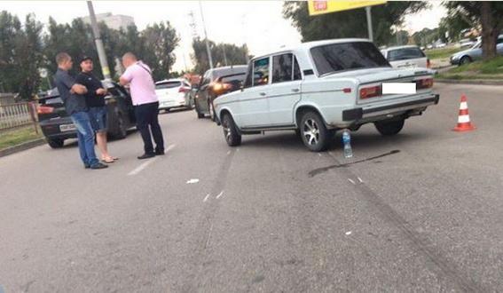 В Днепропетровске в результате ДТП пострадала женщина и ее 8-летний ребенок