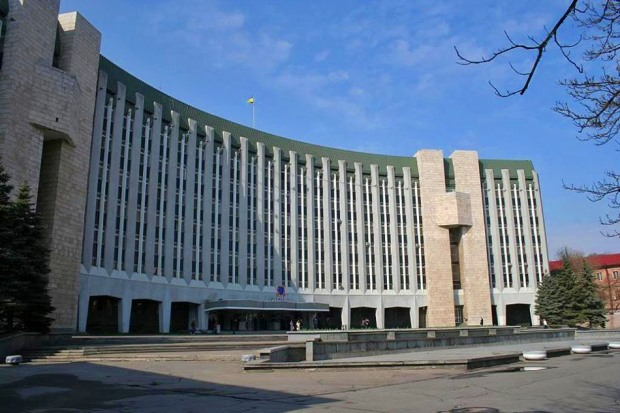 Завтра сотрудники Днепропетровского горсовета придут на работу в вышиванках