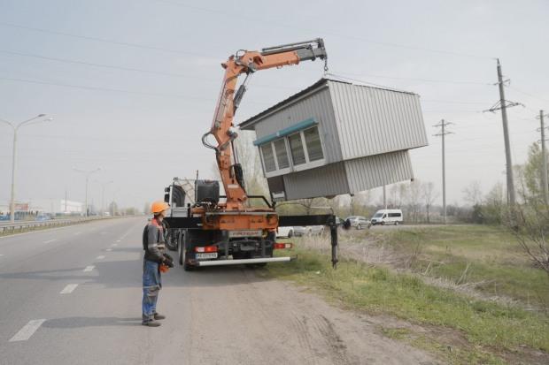 Кругом Дніпра збудували стаціонарні блокпости