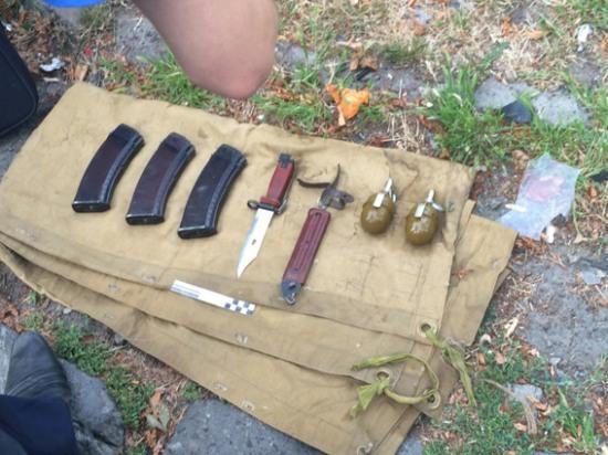 В попавшей в ДТП иномарке нашли арсенал оружия
