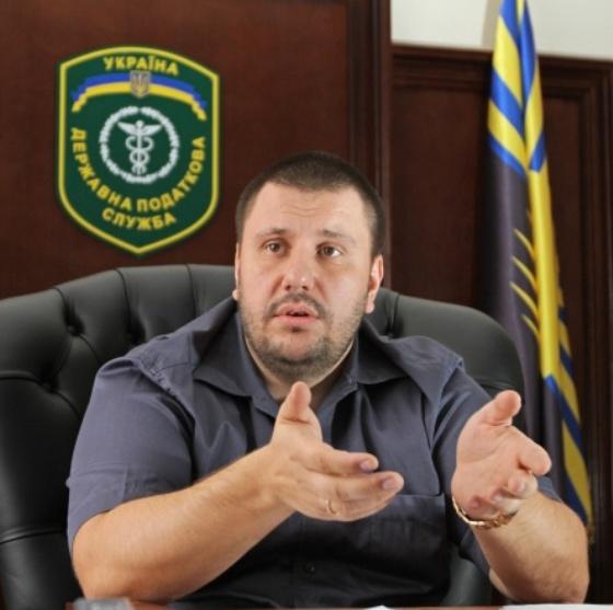 Действующую партию главного налоговика при Януковиче подозревают в отмывании денег