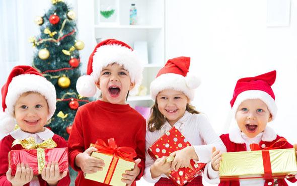 Что надеть ребенку на новогодний праздник в школе?