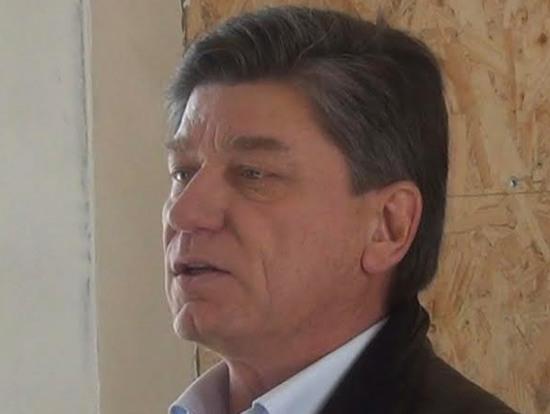 Экс-мэр Новомосковска агитирует прохожих в городах и сёлах