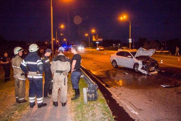 В Днепре разыскиваются свидетели ДТП, в котором погибли водитель и пассажир