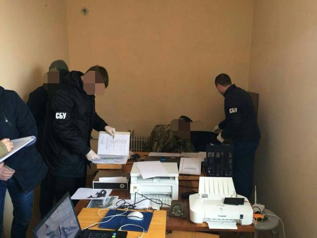 На Днепропетровщине военком «продавал» атошнику исключение из резерва