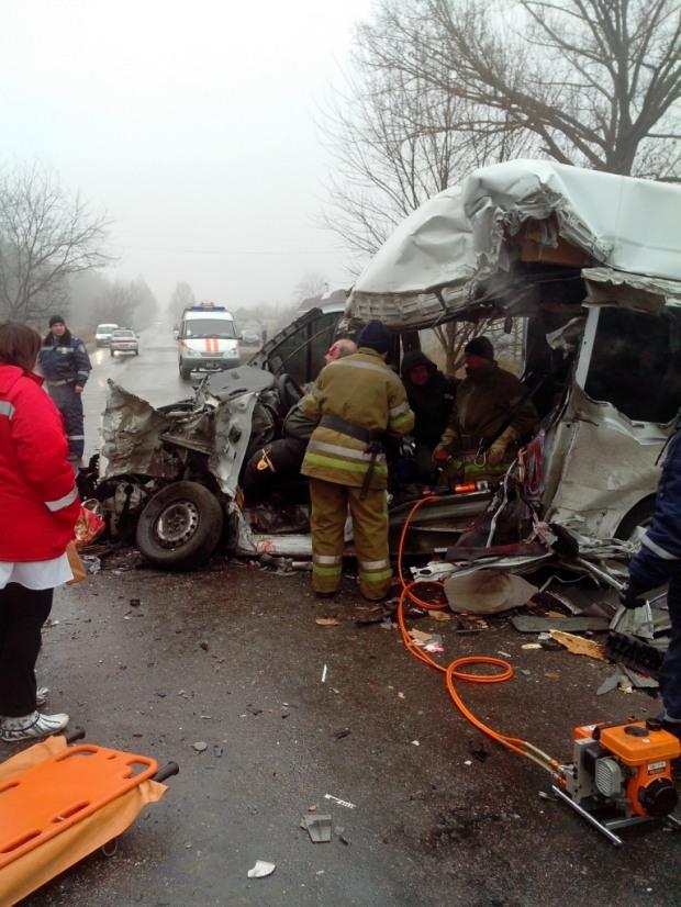 На Днепропетровщине столкнулись автомобили: трое – погибших, трое – в реанимации