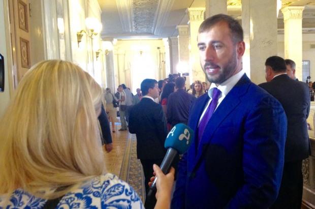 Сергій Рибалка: Фінкомітет продовжує працювати над вирішенням ситуації із вкладниками банку Михайлівський