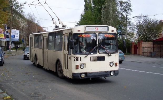 Завтра трамвай и два троллейбуса приостановят движение