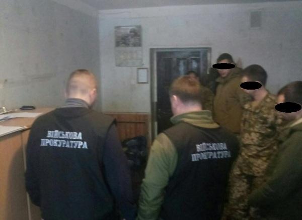 Перед увольнением в запас у солдат вымогали «бензовзятку» под угрозой отрицательных характеристик