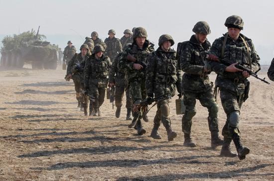 Воюющим в зоне АТО приходят… повестки в армию