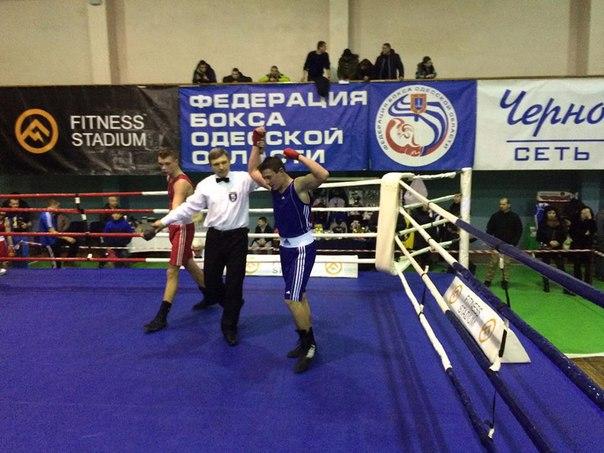 Боксеры-юниоры привезли с Чемпионата Украины три «золота» и одну «бронзу»