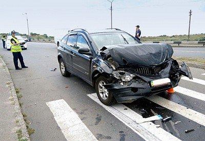В Кривом Роге пьяный водитель врезался в машину с маленьким ребенком