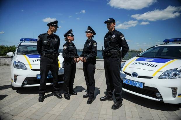 Полиция и спасатели Днепропетровщины переходят на усиленное несение службы