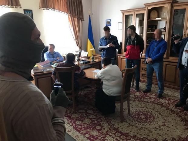 Судьи Днепра «отличились» взяткой главе Специализированной антикоррупционной прокуратуры