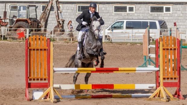 В Днепре состоялся городской турнир по конному спорту