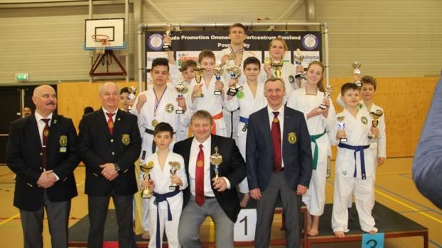 Международный турнир по рукопашному бою «принес» днепровцам 20 медалей