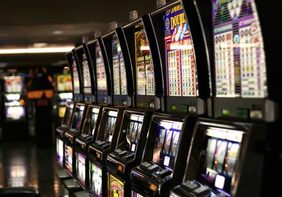 Ещё три зала игровых автоматов прекратили свою работу