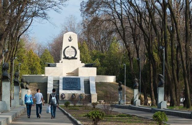 Экологи Днепра бьют тревогу: в Севастопольском парке собираются срубить 120 деревьев
