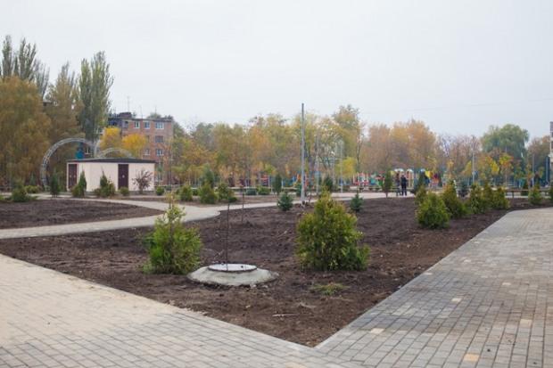 На месте пустыря в Марганце построили современный парк