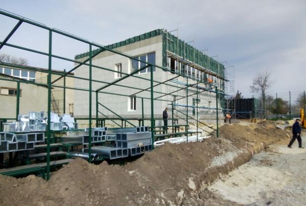 Йде реконструкція центрального стадіону міста Верхньодніпровська