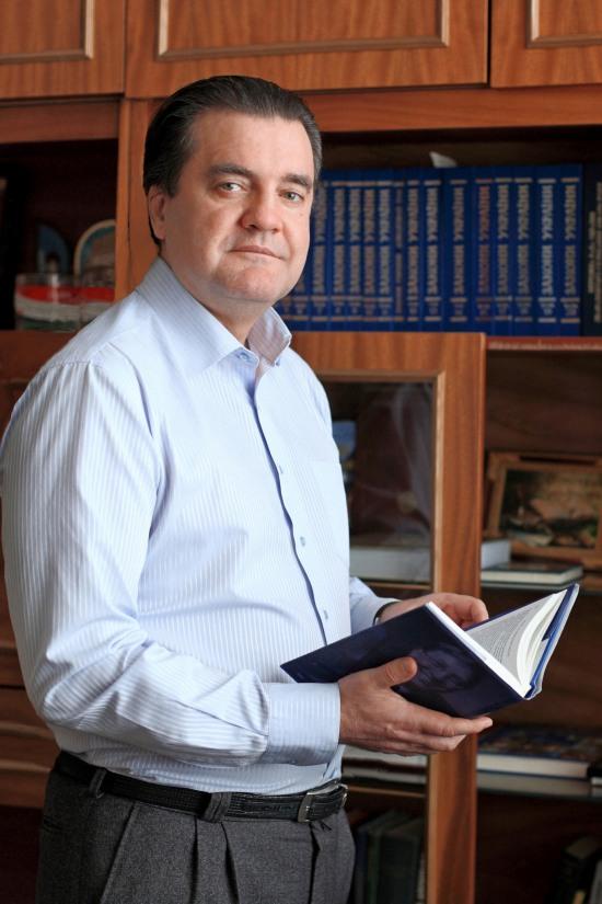 Днепродзержинск предвыборный: гонка за лидером