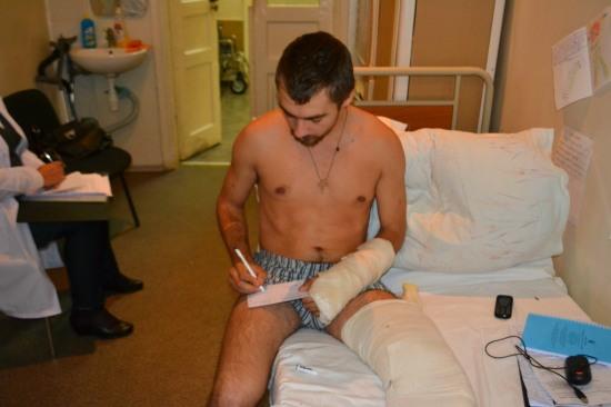 Представители ЦИК приняли документы у участника АТО прямо в днепропетровской больнице