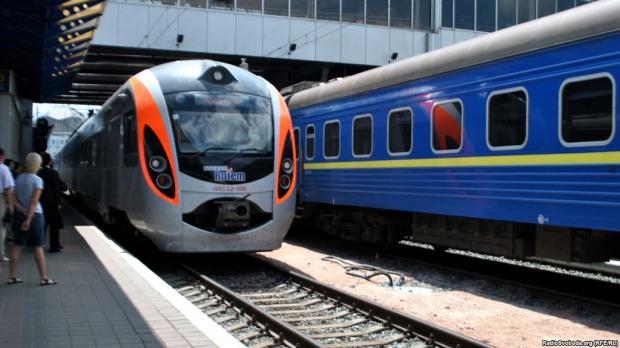 Днепропетровцам приготовили дополнительные поезда на зимние праздники